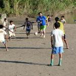 Thomas, volontaire dans un collège situé dans l'Amazonie péruvienne